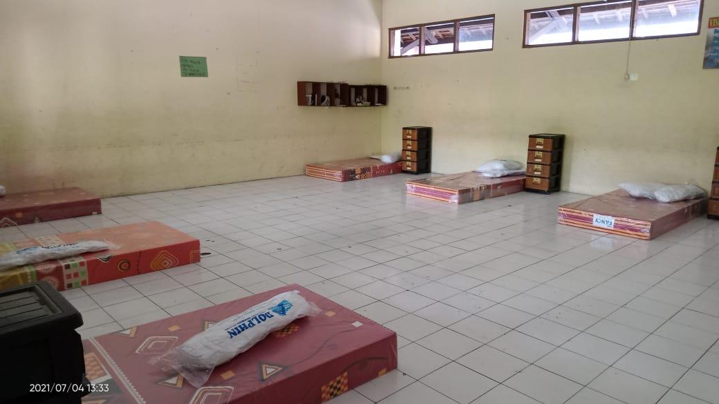 Guru dan Karyawan SMPN 8 Surakarta WFH, Sekolah Digunakan Rumah Karantina dan Perawatan Khusus OTG